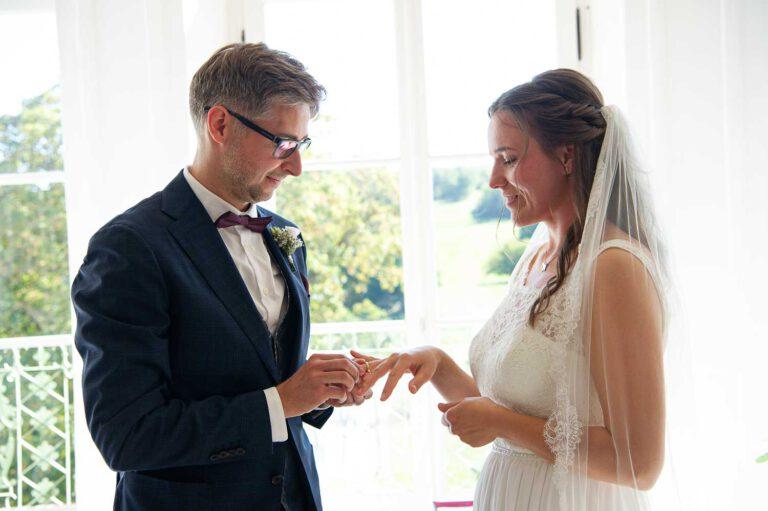 Brautpaar Ringübergabe